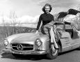 Sophia-Loren-Mercedes-Benz-300SL-Gullwing-1955